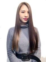 シャイニー ヘアー ダイス(SHINY HAIR DaiCe)ストレートスタイル