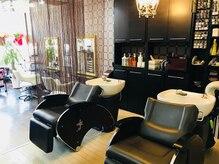 ヘアースタジオ アール(HAIR STUDIO R)の雰囲気(リラックスできるフルフラットのシャンプー台です。)