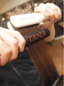 モーレ クオン(Hair Quality Salon molle × xuon)の写真/『伸ばす』ではなく『蒸す』という新発想!髪に負荷をかけすぎることなく、驚きの質感ストレートを実現.