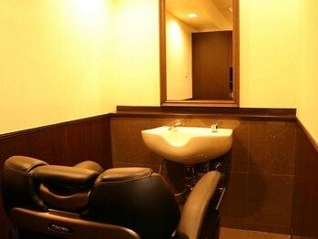"""バルビエ グラン 銀座(barbier GRAND)の写真/【新富町1分】個室でゆったり!個室確約プランあり!""""忙しい男性の為の""""リラックスサロン。<理容室>"""