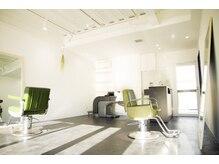 グラムヘアリゾート(gram Hair Resort)の雰囲気(12月8日に改装し店内が広くなってリニューアルOPEN!)