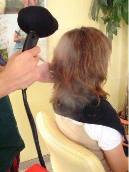 ドロップ(DROP)の写真/イオンシャワーで髪の芯まで優しくケア!トリートメントをより深く髪の内部に浸透させ憧れのツヤ髪に導く♪