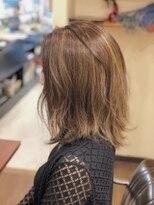 ブリッツレボルト(BLITZ R EVOLUT)『BLITZ山田夏樹発』女っぽボサ髪・ミルフィーユ仕立て