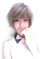 アルマヘア(Alma hair)ペールトーンのショートボブ