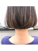 ページボーイ美容室[お客様スタイル]首が綺麗に見えるシンプルボブ