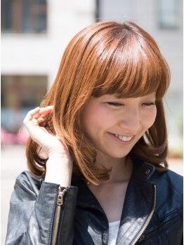 アポロヘアーワークスの写真/明るく染まる白髪染めがオトナ女性に大人気!お客様一人一人のダメージLvを見極め、1番綺麗な発色を表現。