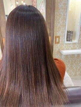 ヘアアンドメイクグラチア(HAIR and MAKE GRATIAE)ホホバオイル縮毛矯正