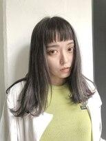 アオ 表参道(AO)ツヤ感たっぷりリアル外国人風カラーのオン眉ストレートミディ