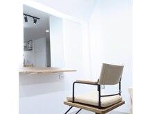 ロロン 下高井戸(LORONG)の雰囲気(お席1席の洗練された空間。「美容師トーク」はありません。)