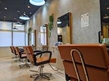 アグ ヘアー ムーン 大阪深井店(Agu hair moon)の雰囲気(ゆったり寛げる居心地の良い空間です。)