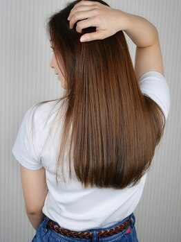 ボンドヘアー(Bond Hair)の写真/「ラクチン,きちんと,美髪。」三拍子そろった,毛先までしっとり柔らかなストレートヘアに,リピーター多数♪