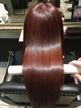 アンボヤージュ(UNVOYAGE)の写真/カラーや縮毛矯正でダメージしてしまった髪に。CMみたいなサラサラな髪になりたい方は《UNVOYAGE》へ☆