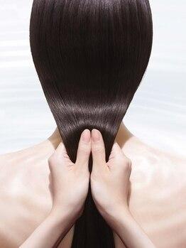資生堂ビューティーサルーン そごう横浜店の写真/髪質改善が得意なサロンソリューショントリートメント。髪本来が持つ美しさを呼び覚まし、芯から輝かせます