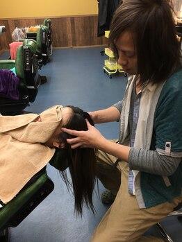 ファシナトゥール(facinatulu)の写真/当店のヘッドスパは髪質・頭皮改善だけでなく、頭痛改善・目の疲れにも効果的◎スパメニューのみも大歓迎!