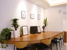 ブレイス(BRACE)の雰囲気(幅広いお客様が寛げる空間で癒しのひとときを提供します)