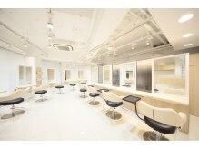 アッシュ 二俣川北口店(Ash)の雰囲気(ゆったりとしたスペースで幅広いメニューを楽しめます。)
