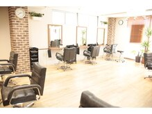 オアシスオーガニックビューティーサロン(oasis organic beauty salon)の雰囲気(清潔感溢れる温かみのある店内で、心も髪も癒されます♪)