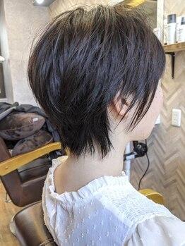ラキ(Laki)の写真/髪質/クセ/毛量を見極め、どこから見ても美しいスタイルを実現♪型崩れしないカットで、まとまりが長続き◇