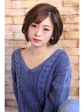 ヘアー ロギア(hair LOGiA)★hair LOGiA★  〇大人系ショートボブ