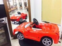カラージャック 東札幌店(COLOUR JACQUES)の雰囲気(超大人気!フェラーリのキッズカーでDVDを観ながら♪)