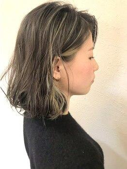 フィオーレヘアミューズ(FIORE hair muse)の写真/さりげなく立体感を演出するハイライトは大人女性にオススメ!ブローだけでもお洒落に魅せるStyleを提案☆