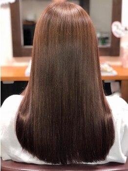ヘアーメイク ラウカ(Hair Make Rauka)の写真/【イオグストリートメント】今までにない「潤い」「ツヤ」「指通り」を実現。芯までしっかり栄養補給!
