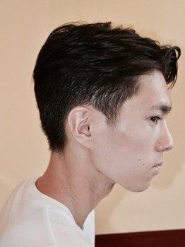"""キングビー(KING BEE)の写真/バランスを調節しハイセンスなデザインに。髪質や骨格を見極め""""似合う""""をご提案!ひげ・眉も施術可能★"""