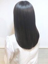 ローラン(ROULAND)髪質改善なツヤ髪くびれセミディ