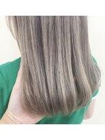 ルッツ(Lutz. hair design)milk tea beige