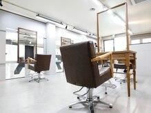 ヴェアリ 西麻布(VARY)の雰囲気(お席とお席の間隔は広めです。最初から最後までマンツーマン施術)
