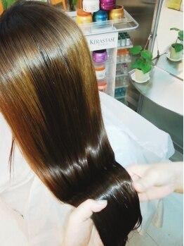 アート ヘアー ストラ ループ(ART HAIR STRA Loop)の写真/髪を芯からしなやかで健康な状態に導きます♪最高級トリートメント【ケラスターゼ】取扱店☆