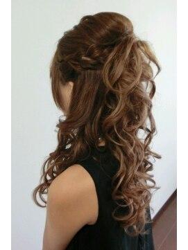 編み込みハーフアップアレンジ(結婚式の髪型)  サイド編み込みハーフアップ