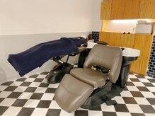 ルーム0323の雰囲気(首と腰に負担をかけないシャンプー台。スチームでヘアケアを♪)