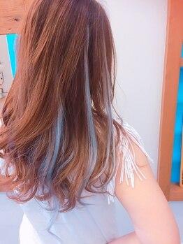 カマカ(KAMAKA)の写真/シールエクステ1本¥260『例』40本付の場合40本×¥260=¥10400♪軽くて自然な仕上り!前髪等の部分付けも◎