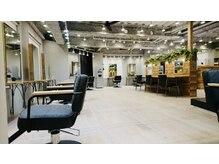 アグ ヘアー ニルス 広島立町店(Agu hair nils)の雰囲気(こだわり抜かれた空間。ゆったり寛げます。)