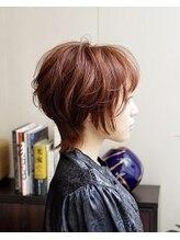 ヘアサロン トラヴィス(hair salon Travis)髪型で雰囲気を出すなら!オトナエモい、ウルフヘア