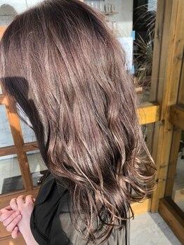 ラルジュヘアイコール(Large hair equal =)の写真/人気のアディクシーカラー・イルミナカラーで透明感あふれるあなたにピッタリなスタイルをご提案します♪