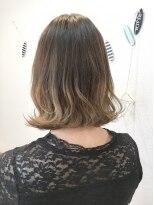 ヘアーデザイン アコースティック(Hair Design ACOUSTIC)外ハネガーリーボブ