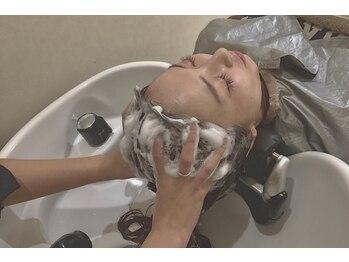 ヴァン カウンシル 津島店(VAN COUNCIL)の写真/自慢のスパニストによるヘッドスパで髪も地肌もリフレッシュ!!大人気★至福のヘッドスパでリラックス◎