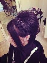 黒髪スジ盛りヘアセット