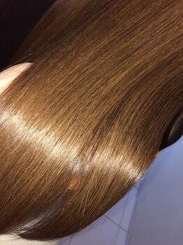 ヘアーラヴワン 館林の写真/【ダメージヘアのお悩み解決へ◎】たっぷりの潤いを与える施術で、傷んだ髪もシルクのような指通りに♪