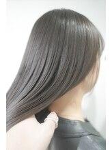 ネイヴィル(navile)抜け感スタイル 髪質改善 ストレート 20代/30代/40代