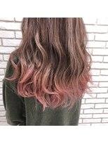 アーヌ エヌン(Anu Nn)濃厚ピンクのグラデーションカラー
