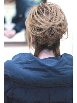 結婚式の髪型(スジ盛りヘアアレンジ)