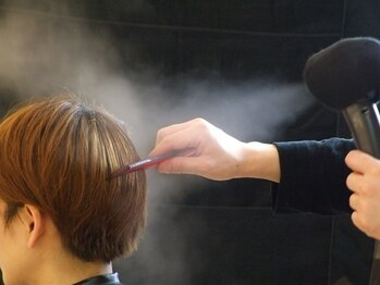 ヴィータ(VITA)の写真/髪質やクセ・お悩みに合せたお家でのアドバイスや親身に考えてくれるカウンセリングが人気◎