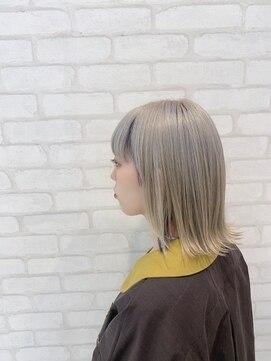 ビス ヘア アンド ビューティー 西新井店(Vis Hair&Beauty)ホワイトベージュ【外ハネロブ】ハイトーン/ブリーチ/肩ライン
