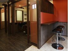アークスヘアーフォーメン 戸田公園駅前店(Arx hair for MEN)の雰囲気(一人ひとりのステージを上げる為に存在するMen's Loungeです)