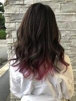 暗めのカラー×ピンク