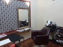 ヘア スタジオ ルーチェ(Hair studio Luce)の雰囲気(セット面2席の小さなサロンです)