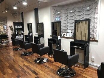 シャルム ヘアーラウンジ(shalm hair lounge)の写真/セット5席からなるゆったりとした空間での、マンツーマン施術で落ち着いた雰囲気が魅力♪